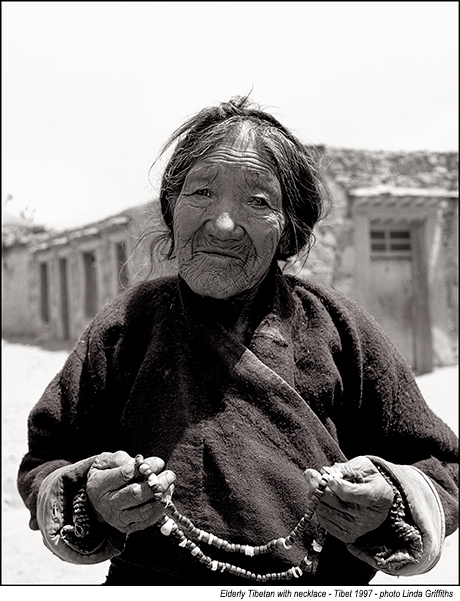 Elderly-Tibetan-with-necklace