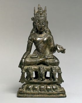 Akshobhya, the Transcendent Buddha of the East, Pakistan (Swat Valley), 9th century. © The Metropolitan Museum of Art.